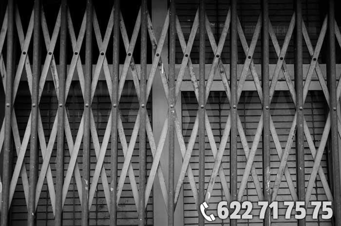 cerrajeros-de-urgenciascierres metalicos comercios